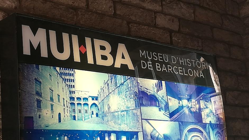Enseigne du Musée d'Histoire de Barcelone